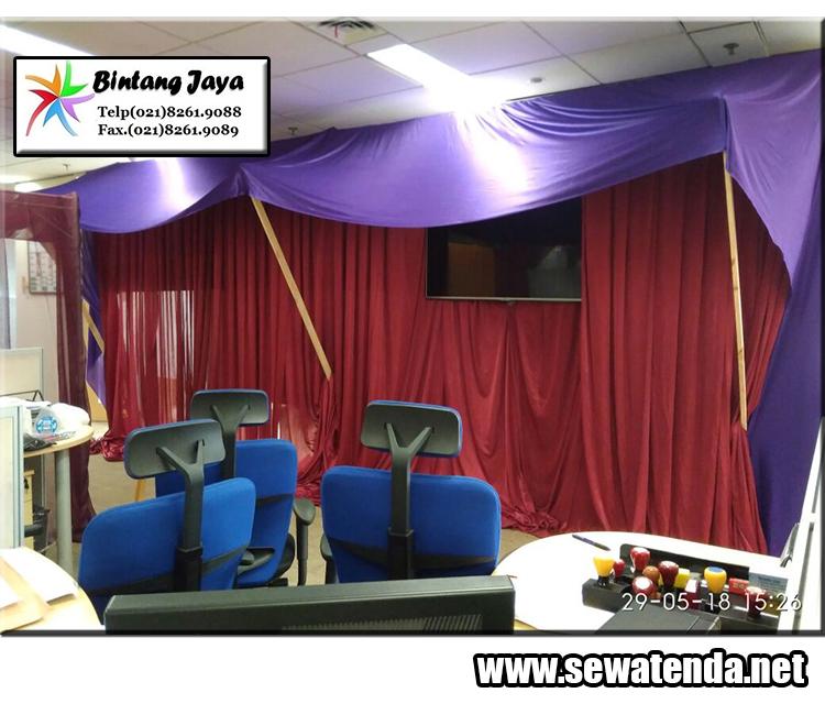 persewaan tirai murah dengan banyak variasi warna dan model untuk menghiasi tenda maupun ruangan